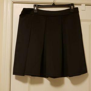 Forever 21+ Black pleated skirt
